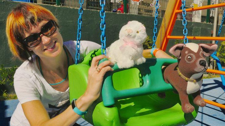Видео с игрушками для детей. Гуляем на детской площадке с Машей Капуки К...