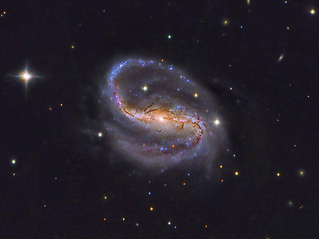 <p>Galaxia espiral barrada NGC 7479 situada en la constelación de Pegaso, a unos 105 millones de años luz. Fue descubierta en 1784 por el astrónomo
