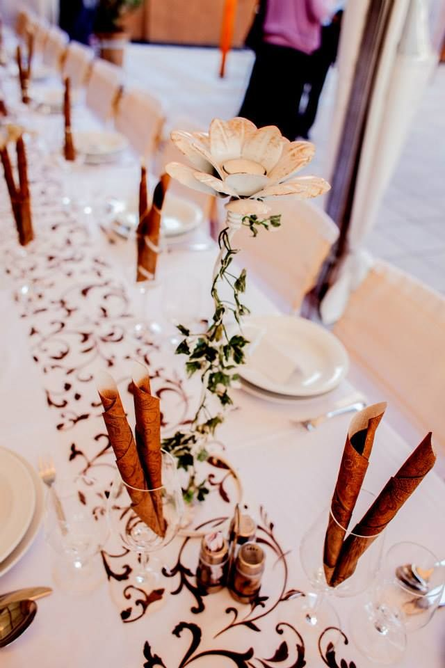#veridekor #brown #browndeco #wedding #center-piece #tendrilpattern