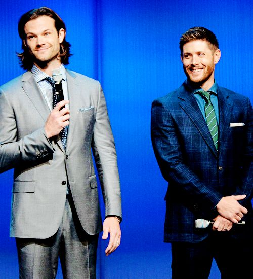 looking damn sexy despite Jensens ugly ass suit.. seriously dude.. wtf!