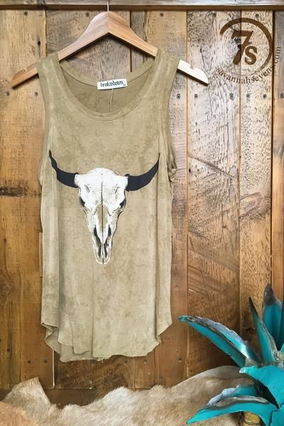 Because Fall is for layering and each layer deserves a personality all its own. This distressed steer skull tank has you covered on layer number one!