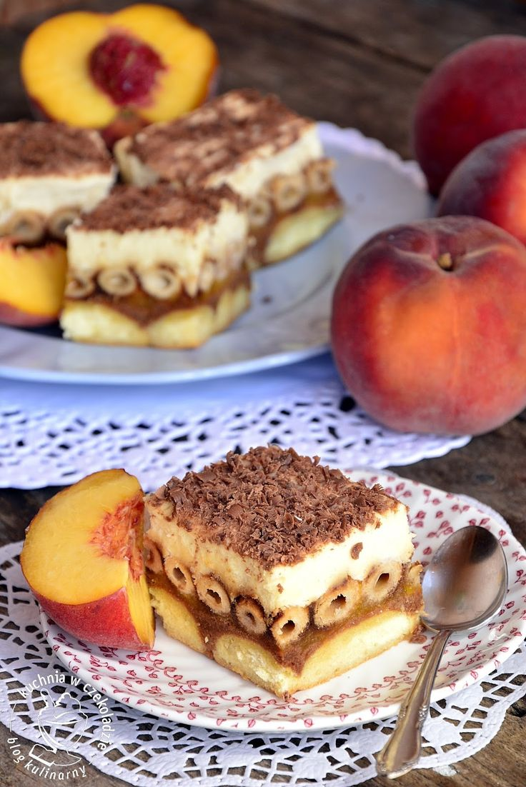 Brzoskwiniowe bez pieczenia, ciasto z brzoskwiniami, deser do kawy, z owocami
