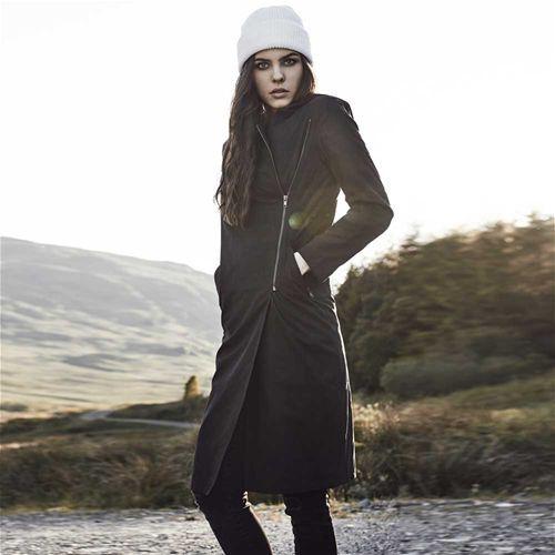 Peached asymmetrische lange dames jas zwart