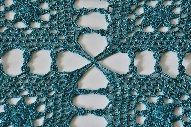 Outstanding Crochet: Free notes and charts for crochet long vest.