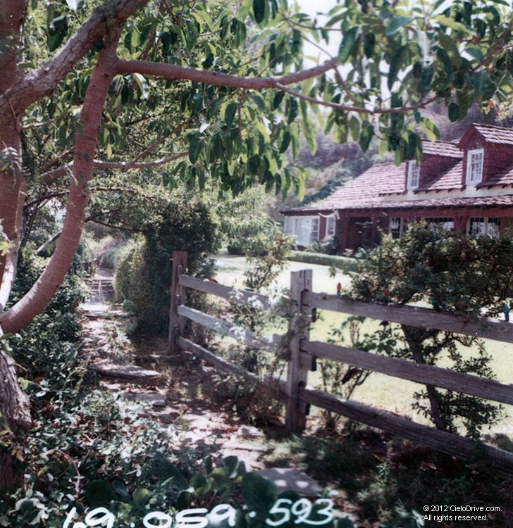 Walkway To The Guesthouse | Charles Manson Family and Sharon Tate-Labianca Murders | Cielodrive.com