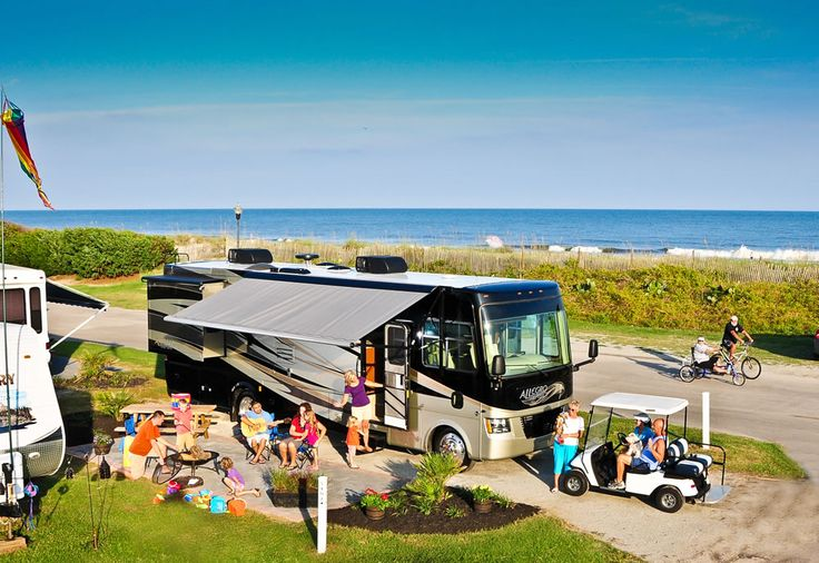 Recently selected as the Official Best Campground in SC by OfficialBestof.com,  Lakewood Oceanfront Campground is spread over 200 acres with 2000 campsites and 112 rental villas offering breath taking views of the ocean, lakes or natural areas.