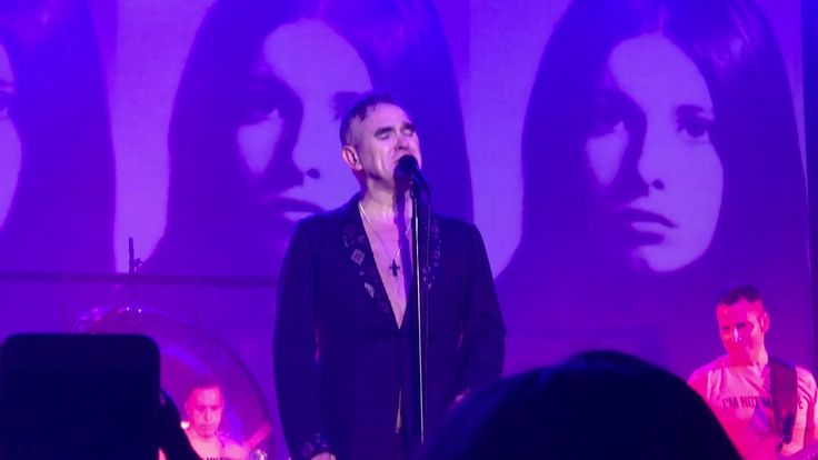 Morrissey Live - Back On The Chain Gang - Pretenders Cover