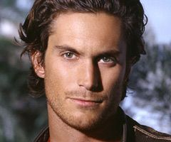 """I'm currently drooling over Oliver Hudson while watching """"Dawson's Creek"""" on Netflix. Apparently he is the son of Goldie Hawn."""