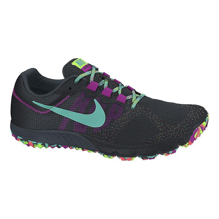 Whether youre running the road or treading the trails, the Womens Nike Air Zoom Wildhorse 2 will give you the traction and responsiveness you need to be at your best