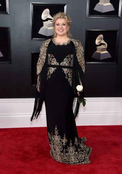 Kelly Clarkson in Christian Siriano - The Most Daring Red Carpet Looks at the 2018 Grammy Awards - Photos
