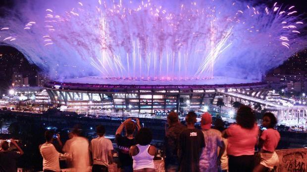 Beendet wurde die Zeremonie mit einem gigantischen Feuerwerk.