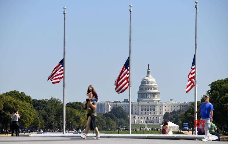 U.S. WASHINGTON D.C. LAS VEGAS SHOOTING FLAG HALF MAST - Social News XYZ