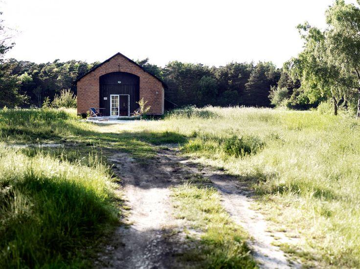 Zajezdnia kolejowa / Fanny Nelson i Niklas Larsen – nowoczesna STODOŁA   wnętrza & DESIGN   projekty DOMÓW   dom STODOŁA