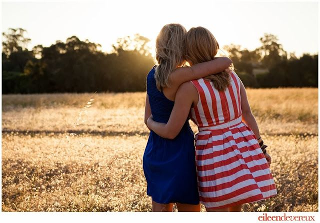 Best friends shoot, friends pose, golden hour sun flare, bridesmaids pose, besties, friends forever Eileen Devereux Photography