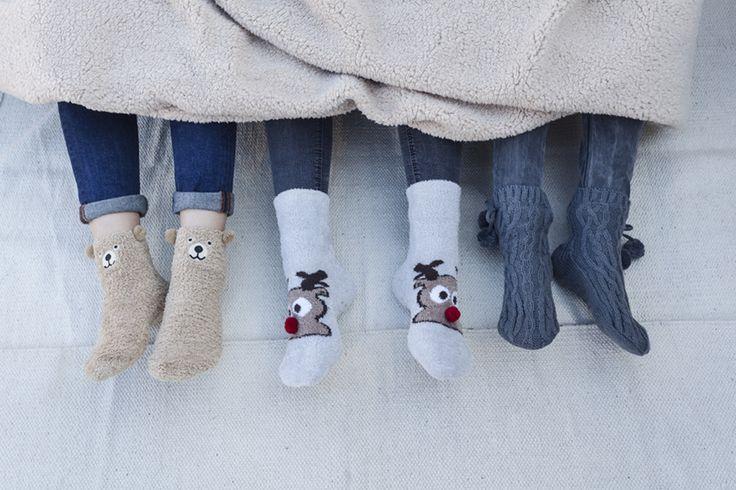 Calcetines divertidos para disfrutar de la compañía sin pasar frío #muymucho #moda #hogar #calcetines #invierno #otoño #amigas #amistad #relax