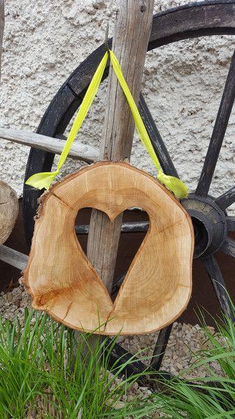 Deko-Objekte - Holzherz - Herz aus Baumscheibe - Unikat - ein Designerstück von by-Andalura bei DaWanda
