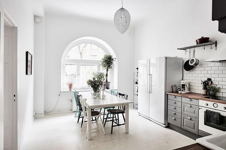 Bostadsrätt, Aschebergsgatan 27 i Göteborg - Entrance Fastighetsmäkleri
