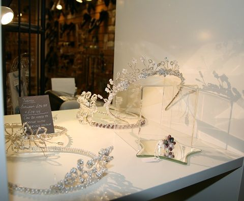 We create stunning and affordable occasional jewellery for your special moment. Weddings, Christenings or Prom