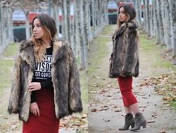 Claudia Villanueva - Asos Coat, Sheinside Sweatshirt, Zara Skirt, Zara Boots - Winter Glam