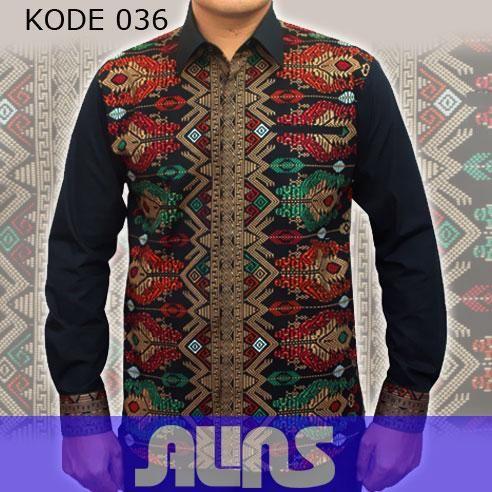 Model Kemeja Batik Pria Lengan Panjang Kode 036 ini merupakan batik printing yang terbuat dari bahan katun. Dibuat dengan jahitan yang rapih dan nyaman saat dipakai.