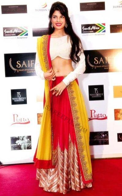 Jaqueline fernandez in lehenga at SAIFTA awards 2013 | Beautiful saree and lehenga pictures