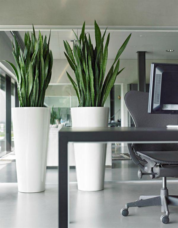 .Hoge designvazen met kunstplanten #Design #Vaas #Interieur #Plant #Kunstplant