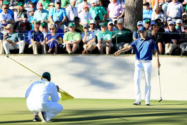Jordan Spieth Photos Photos - Jordan Spieth of the United States lines up a putt on the 16th green during the third round of the 2017 Masters Tournament at Augusta National Golf Club on April 8, 2017 in Augusta, Georgia. - The Masters - Round Three