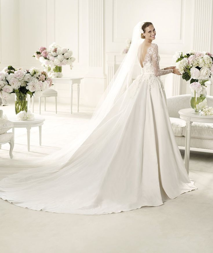 Satin Wedding Dresses: Best 25+ Satin Wedding Gowns Ideas On Pinterest