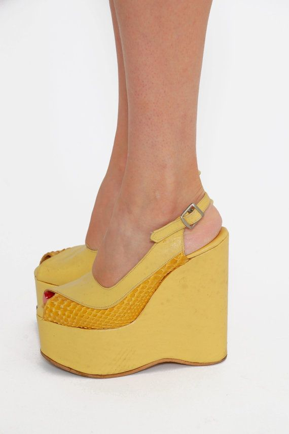 Vintage 70s PLATFORM Shoes Yellow LEATHER & by LotusvintageNY