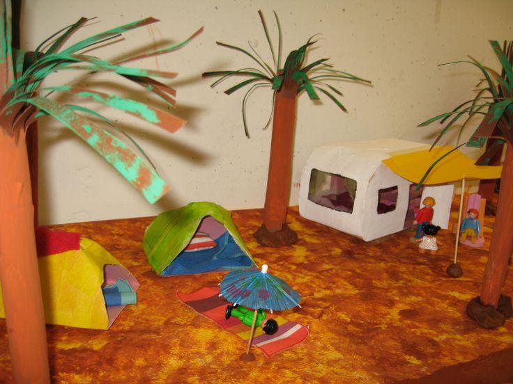 camping speeltafel 04 Nutsschool Maastricht. Gemaakt met playmobil.