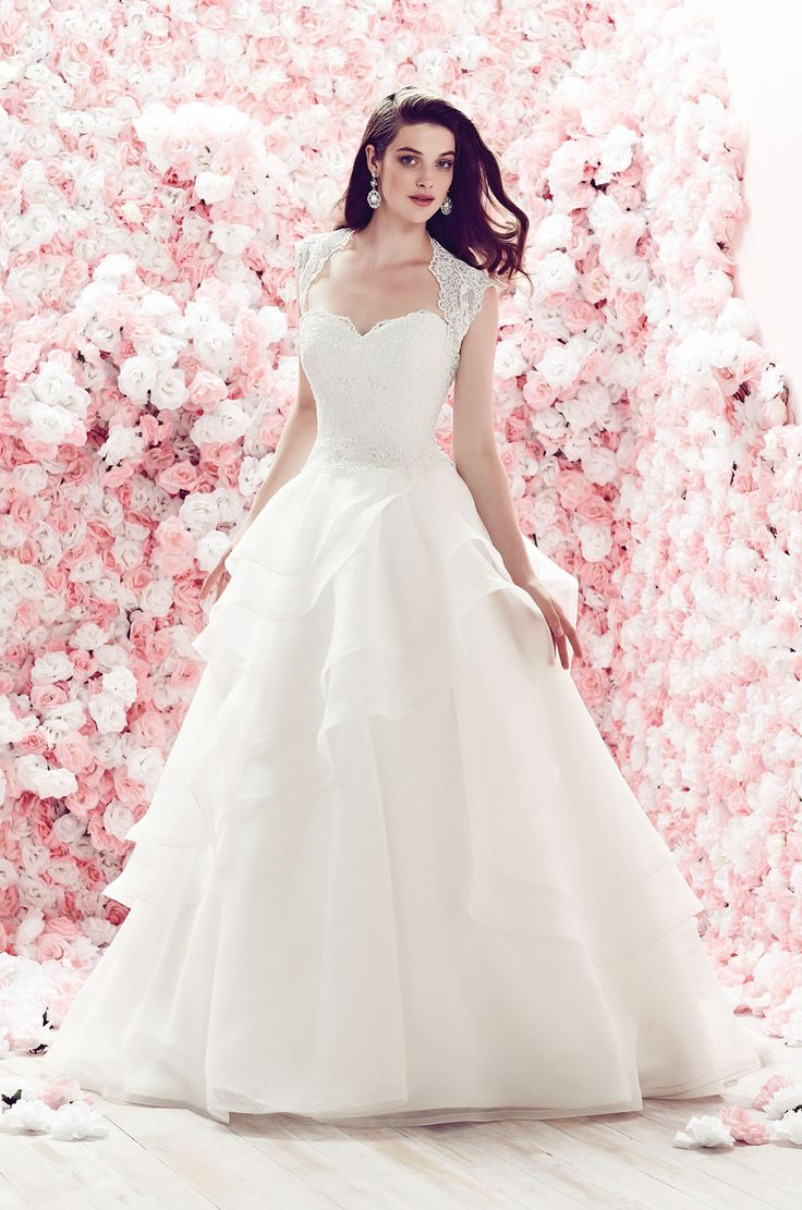 Popular Tiered Ball Gown Wedding Dress Style