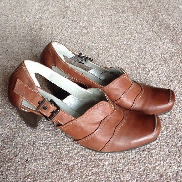 Fidji brown leather shoes Pre owned but still in great condition.                                              h Fidji Shoes