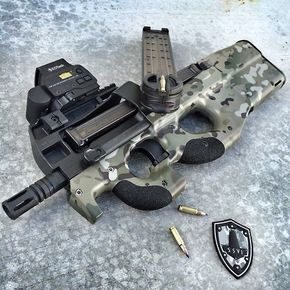 coffeeandspentbrass: codenamedeadpool: FN Herstal P90 in...