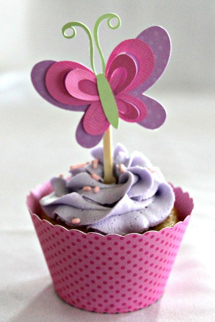 Cute butterfly cupcake made w/ the Silhouette die cut machine.