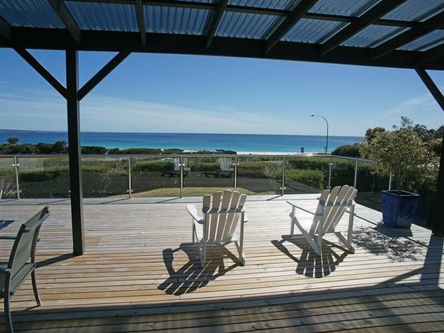 BELLE VUE BEACH HOUSE - POSITION, a Binalong Bay House | Stayz