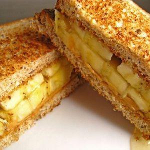 Sandwich-uri cu banane pentru micul dejun