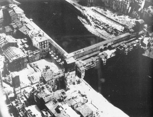 1942-1945: destruction around Ponte Vecchio