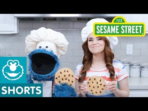 Sesame Street: Rosanna Pansino and Cookie Make a Snack! - YouTube   #November2nd #CookieMonsterDay2016