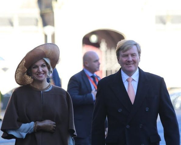 ♥•✿•QueenMaxima•✿•♥...King Philippe and Queen Mathilde officially welcomed by King Willem-Alexander and Queen Máxima at the Dam Square on November 28, 2016 in Amsterdam. According to the programme, the state visit starts on November 28 and ends on November 30, 2016