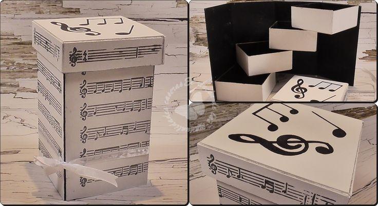 He decidido rizar el rizo en el tema de cajas organizadoras. Hace un tiempo os traje unas cajas también de cartón, las puedes ver AQUÍ. pero la idea de hoy es hacer una caja diferente, que no sea la típica caja que la abres y ya está jajaja. Como me tenia que complicar la vida había que hacerla de otra manera, fácil de hacer pero diferente y original.