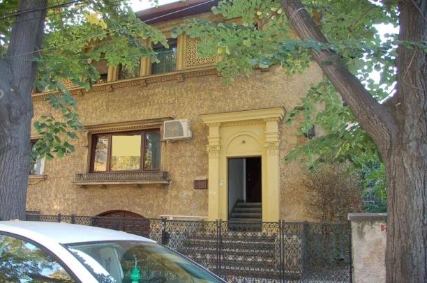 Vila in Primaverii structurata pe apartamente http://www.imopedia.ro/anunt/vila-in-bucuresti-primaverii-558RUN1442.html