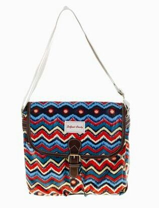 Accessorise yourself with this Zigzag slingbag