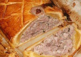 PATE LORRAIN - Le pâté lorrain est une spécialité culinaire originaire de Baccarat en Lorraine. C'est la plus ancienne recette réputée être une spécialité lorraine, sous le nom de petits pâtés lorrains.