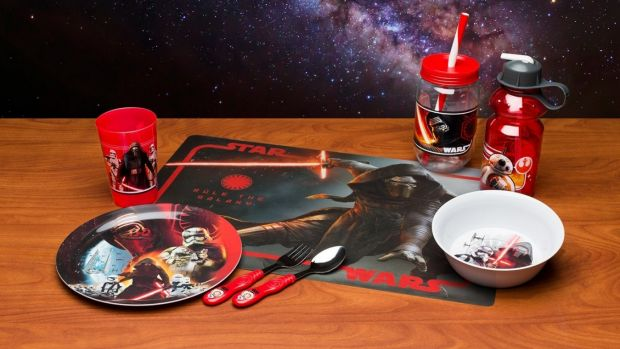 Star wars dinnerware set. From  '10 Ways To Star Wars Up Your Kitchen' on goodfood.com.au.