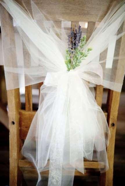 Composizioni floreali con lavanda - Sedia con lavanda decorativa