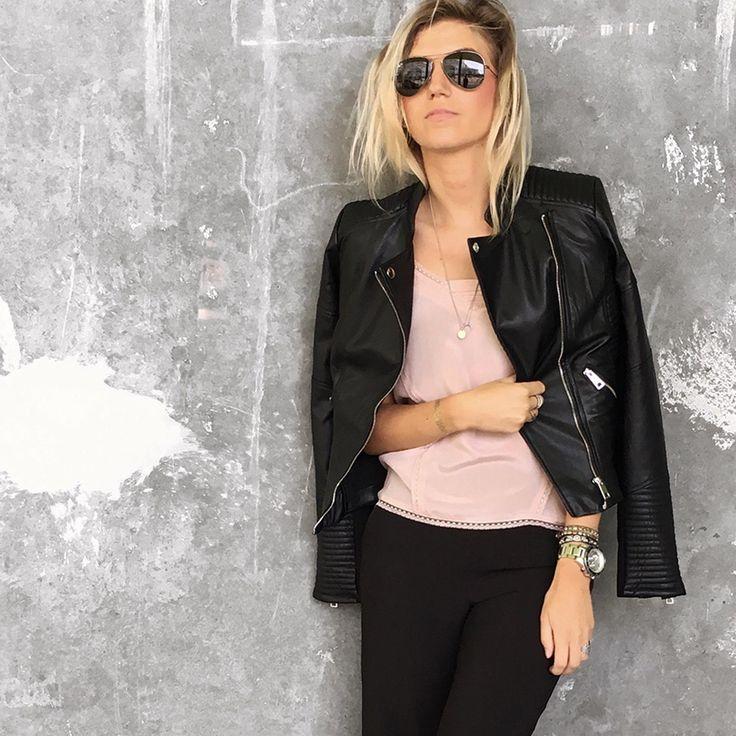 //Leather and feminine silk - black rose look