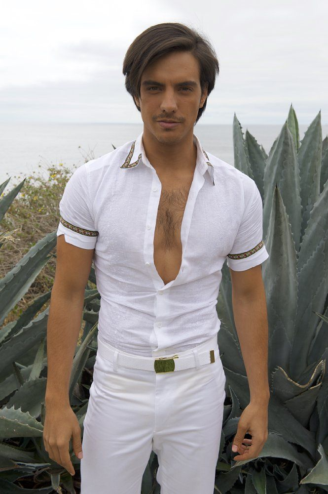Vadhir Derbez in How to be a Latin Lover (58)