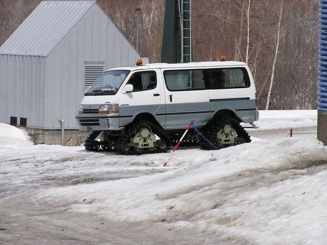 japanese van on snow tracks 4x4 snowtracks pinterest snow homemade and tags. Black Bedroom Furniture Sets. Home Design Ideas