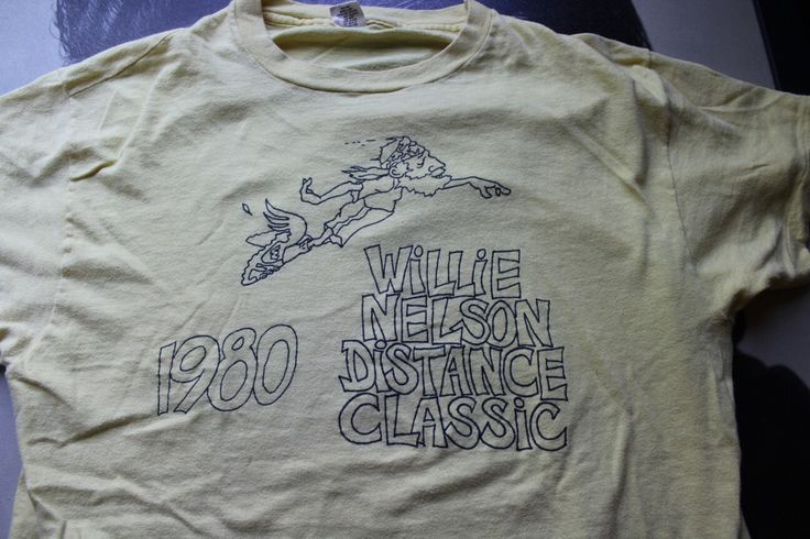 Vintage Willie Nelson distance  classic shirt from 1980.