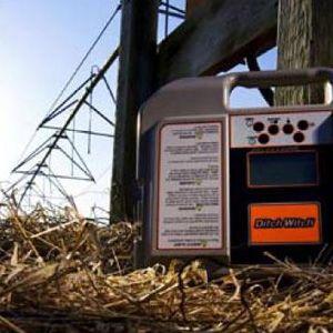 El detector de averías en cables enterrados, gracias a su sensibilidad, detecta rápidamente y con precisión fallos de aislamiento y cortes.